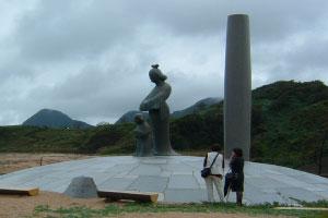 間人(はしうど)皇后・聖徳太子母子像